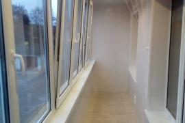 Остекление балкона под ключ в Калининградской области поселок Романово