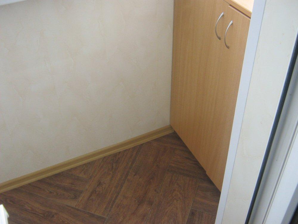 Шкаф на балкон под заказ (фото)